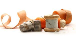 sewing-thimbles-bobbins-needle-30018713
